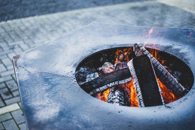 Iron Fire 750 Black